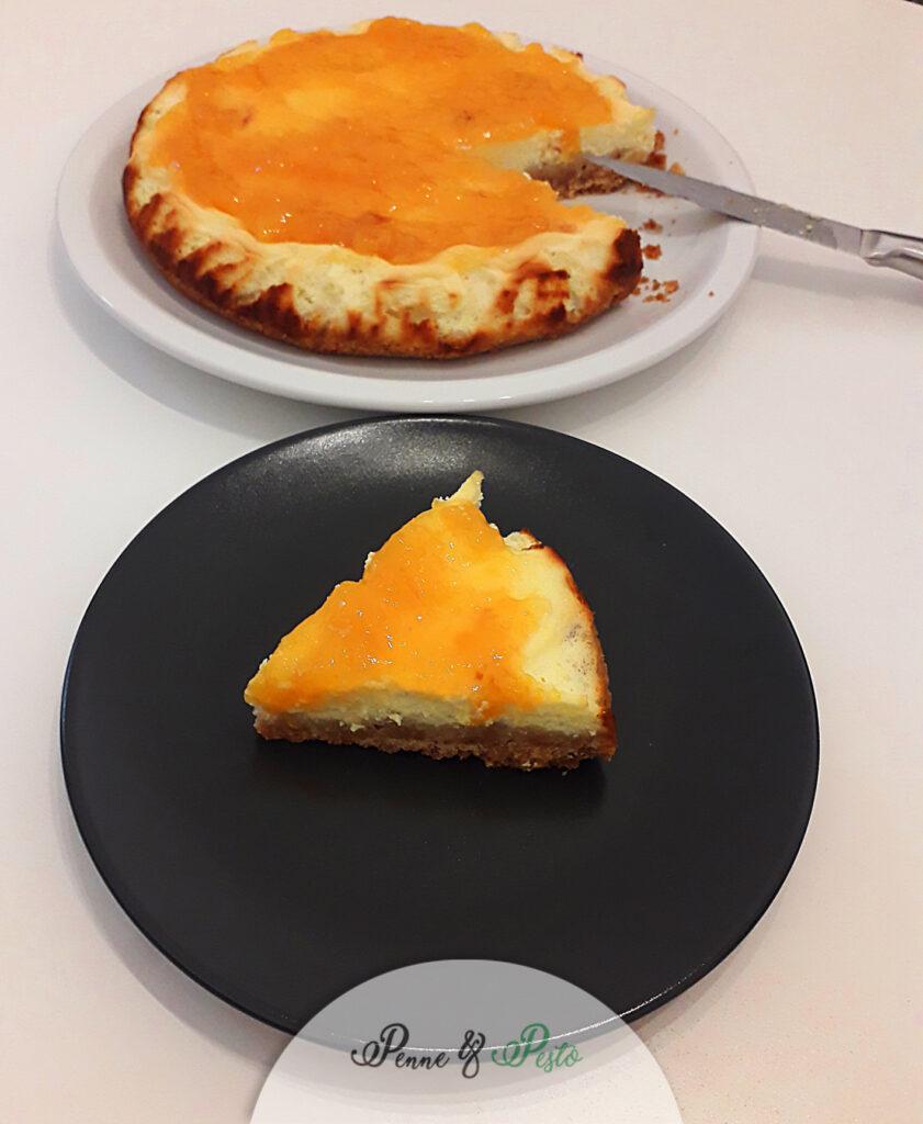 Cheesecake di ricotta alle pesche