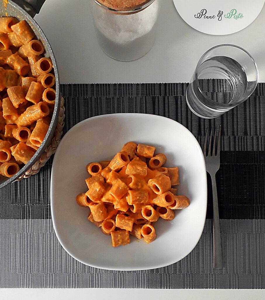 Mezze maniche con crema ai  peperoni