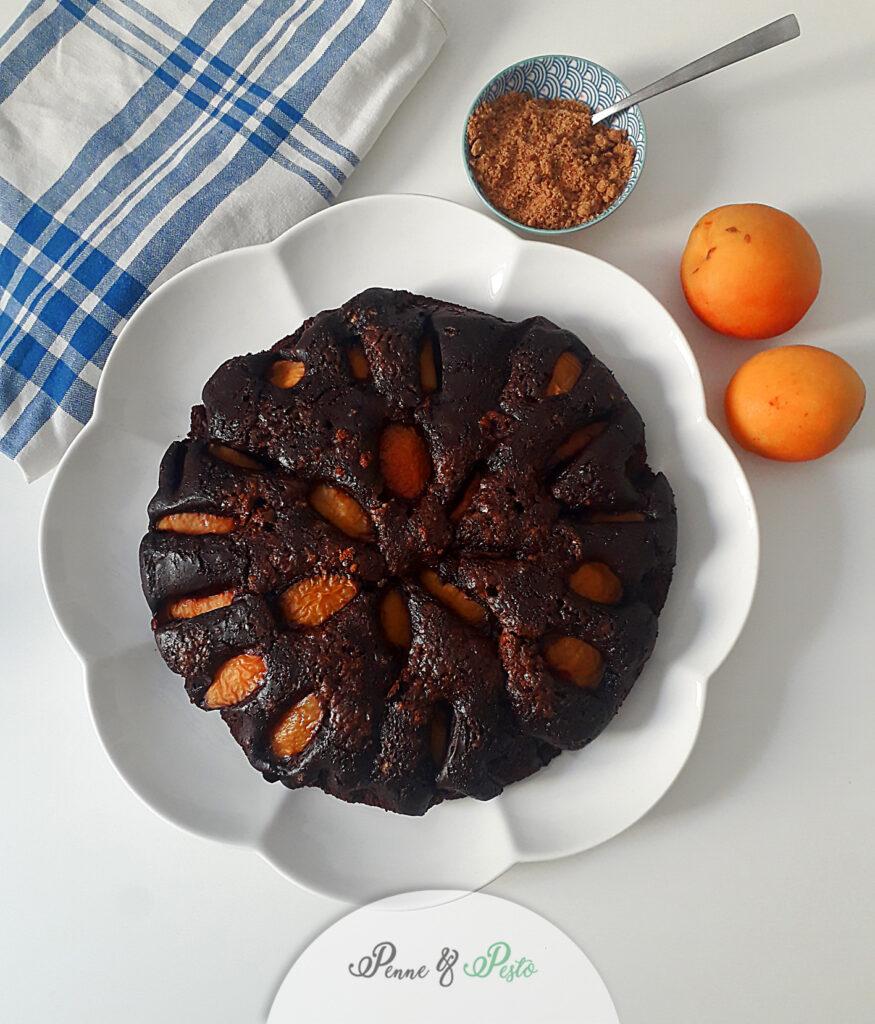 Torta veg al cacao e albicocche