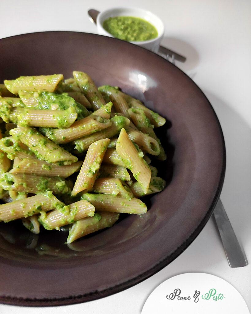 Pasta con pesto di foglie di sedano